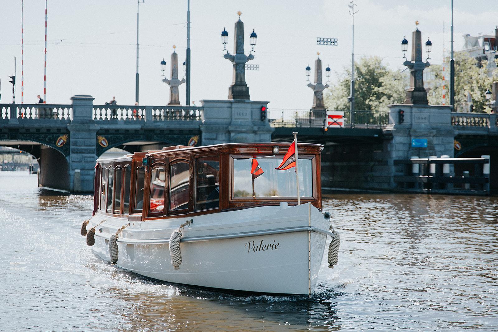 Prachtige salonboten van Amsterdam Boothuur